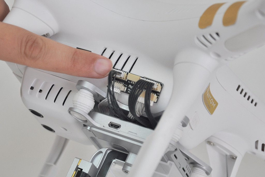 how to install flytrex live 3g on your dji phantom 3 without opening the hull dronethusiast